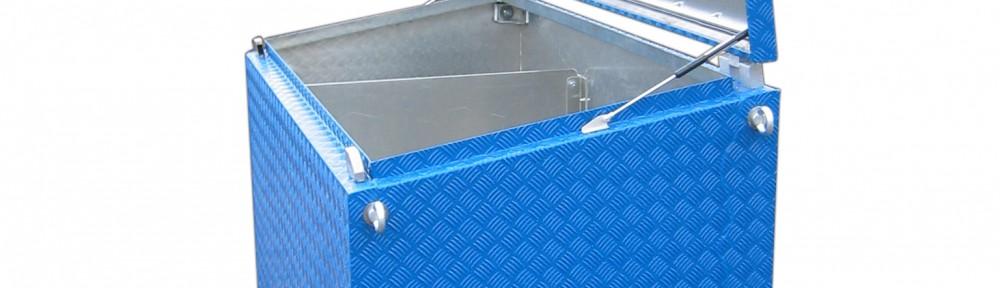 Werkzeugkasten lackiert Farbe Blau