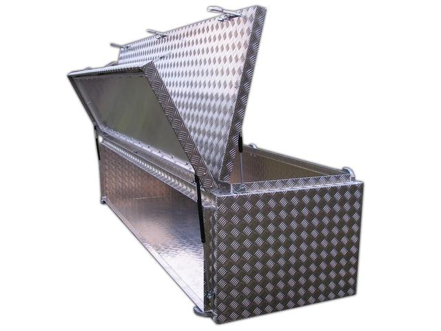 Staubox aus Aluminium mit 2 Öffnungen