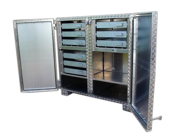 Werkbank aus Aluminium mit Schubladen