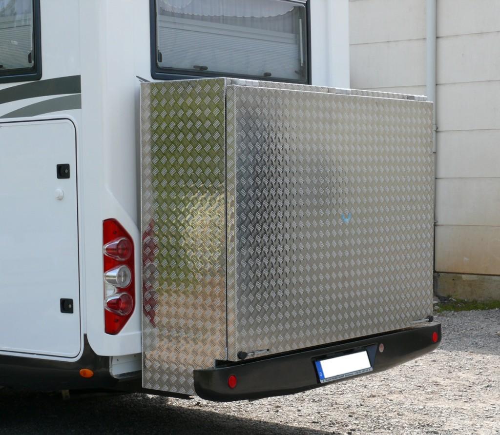 Transportkiste Wohnwagen Rückseite