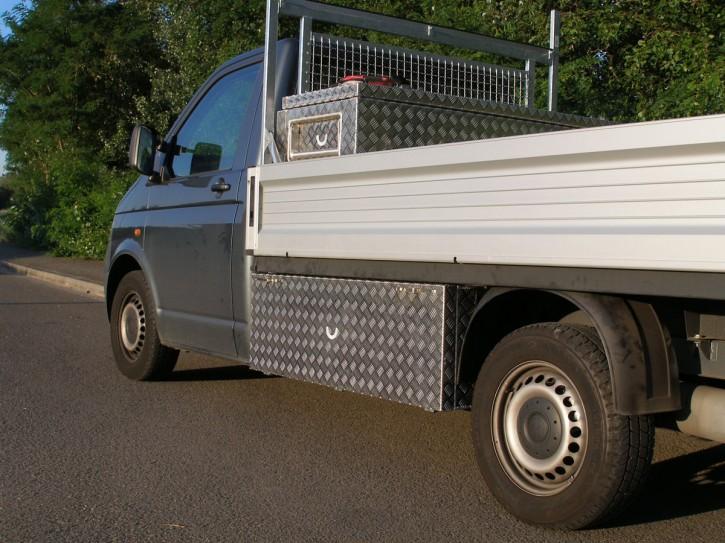 VW T5 DoKa Unterflurbox, langer Radstand ( 3400 mm), Fahrtrichtung links